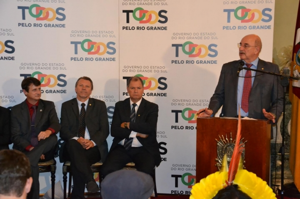 Deputado Afonso Hamm prestigia renovação da filantropia da Emater