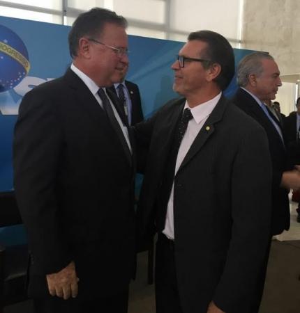 Afonso Hamm acompanha assinatura de decreto no Palácio do Planalto