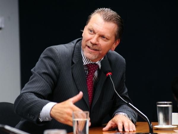 Deputado Afonso Hamm confirma empenho de emenda para Nova Roma do Sul