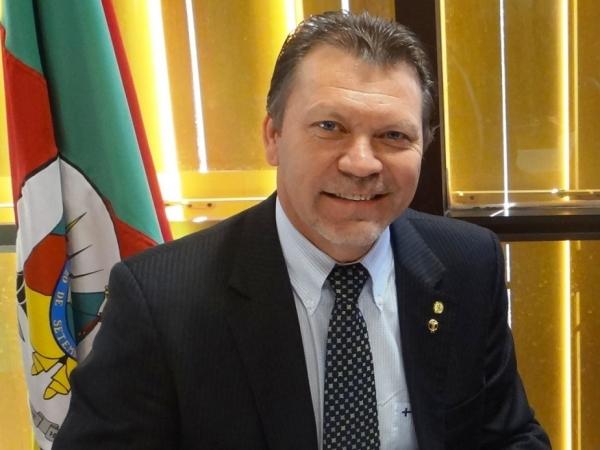 Deputado Afonso Hamm confirma presença na abertura do carnaval de Bagé